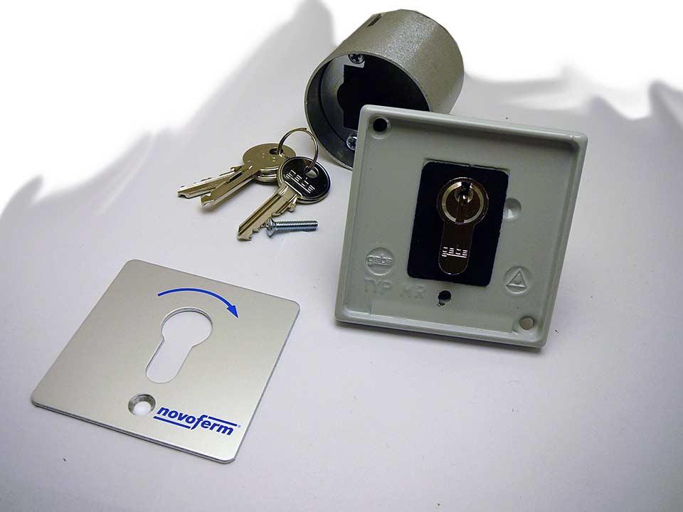 schl sseltaster 1 fach signal 312 unterputz 80800112. Black Bedroom Furniture Sets. Home Design Ideas